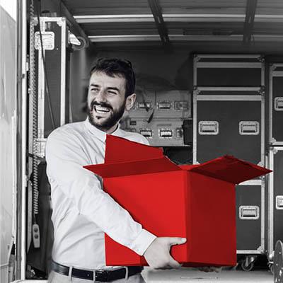 Empresario recibe envío urgente